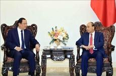 Le PM Nguyen Xuan Phuc reçoit le vice-PM et ministre laotien du Plan et de l'Investissement