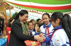 La vice-présidente de l'AN Tong Thi Phong en tournée à Son La