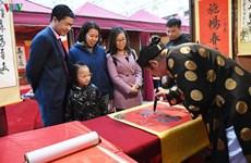 Têt : demander la calligraphie au Temple de la Littérature