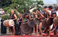 Un programme présente la culture et les coutumes traditionnelles des groupes ethniques