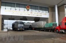 Coronavirus : reprise du dédouanement au poste frontière de Lao Cai