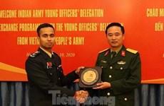 De jeunes officiers vietnamiens et indiens renforcent l'échange des expériences