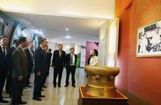 Le ministre de la Sécurité publique To Lam en visite de travail au Laos