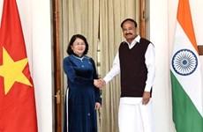 Entretien entre les vice-présidents vietnamien et indien à New Delhi