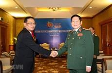 Le ministre de la Défense reçoit un responsable de l'armée indonésienne