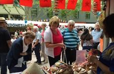 Le Vietnam assiste à un festival multiculturel en Australie