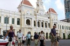 Le tourisme marque le pas mais espère rebondir au Vietnam
