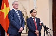 Intensification de la coopération Vietnam-Russie au sein des forums internationaux