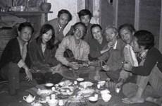 """""""Les personnes de l'ancien temps"""", chronologie des artistes vietnamiens du 20e siècle"""