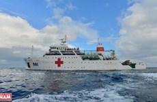 À bord du navire-hôpital Khanh Hòa 01-HQ 561