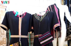 Quand les motifs traditionnels deviennent la mode