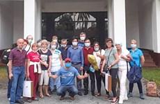 """Touriste roumaine en quarantaine : """"Nous pouvons sentir le sourire, même derrière le masque"""""""