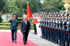 Le Premier ministre travaille avec le commandement de l'armée de l'air