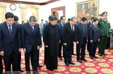 Vietnam-Laos : Des délégations vietnamiennes rendent hommage à Sisavath Keobounphanh