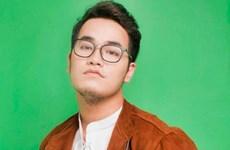 Billboard célèbre le succès mondial du compositeur Khac Hung