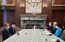 La présidente de la Chambre haute du Japon apprécie les réalisations du Vietnam face au COVID-19