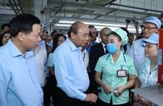 Le PM dialogue avec les ouvriers, travaille avec les autorités de Bac Ninh