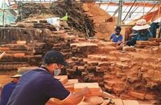 À My Son, des paysans attachés à la restauration du patrimoine