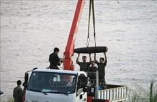 Une bombe datant de la guerre remontée dans le fleuve Rouge à Hanoi