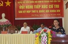 La présidente de l'AN Nguyên Thi Kim Ngân à l'écoute des électeurs de Cân Tho