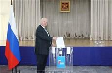 Les Russes au Vietnam votent sur des amendements à la Constitution