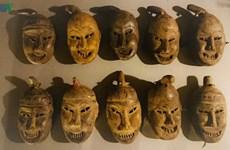 Le masque rituel des Dao parlant Mùn