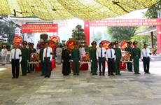 Tay Ninh : inhumation des restes de 149 soldats volontaires vietnamiens tombés au Cambodge