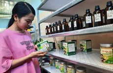 Quang Nam : une jeune femme commercialise des produits régionaux bios