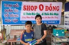 À Kiên Giang, une boutique basée sur le don pour changer la donne