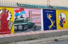À Hô Chi Minh-Ville, d'anciens soldats dégainent leurs pinceaux