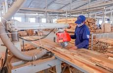 Août: l'activité manufacturière vietnamienne pâtit du COVID-19