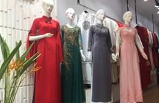 L'áo dài, l'emblème des femmes vietnamiennes