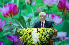 Le leader Nguyên Phu Trong félicite le seteur de la météorologie et de l'hydrologie