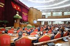 Le travail du personnel domine le 4e jour de travail du 13e Plénum du Comité central du Parti