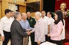 Le leader du PCV Nguyen Phu Trong à l'écoute des électeurs de Hanoi