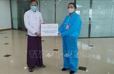 COVID-19: le Vietnam présente des fournitures médicales au Myanmar
