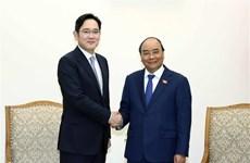 Le PM Nguyen Xuan Phuc reçoit le vice-président de Samsung