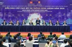Le PM Nguyên Xuân Phuc au Sommet des villes intelligentes de l'ASEAN