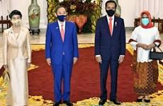 Le PM japonais apprécie le succès de sa tournée au Vietnam et en Indonésie