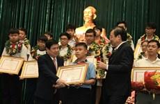 Hô Chi Minh-Ville félicite près de 1.000 élèves excellents