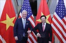 Le vice-PM Pham Binh Minh s'entretient avec le conseiller américain à la Sécurité nationale
