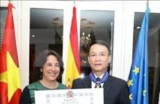 Le directeur général de la VNA reçoit l'Ordre du mérite civil décerné par le roi d'Espagne