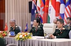 ADMM et ADMM + : le ministre singapourien de la Défense salue l'organisation réussie par le Vietnam