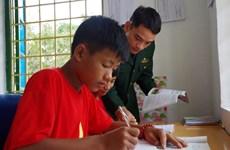 Lai Châu: quand les gardes-frontières adoptent des enfants