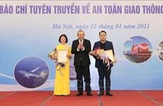 Truong Hoà Binh récompense l'excellence en journalisme sur la sécurité routière