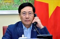 Le Vietnam et Singapour discutent des relations bilatérales