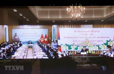 Le Vietnam accorde la priorité à une solidarité particulière avec le Laos