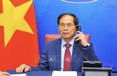 Renforcer le partenariat stratégique Vietnam-Singapour et Vietnam-Inde