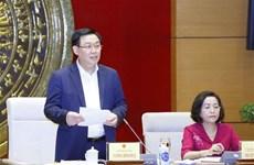 Vuong Dinh Huê travaille avec la commission chargée des députés de l'Assemblée nationale