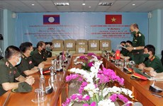 COVID-19 : Aide du ministère vietnamien de la Défense à son homologue lao